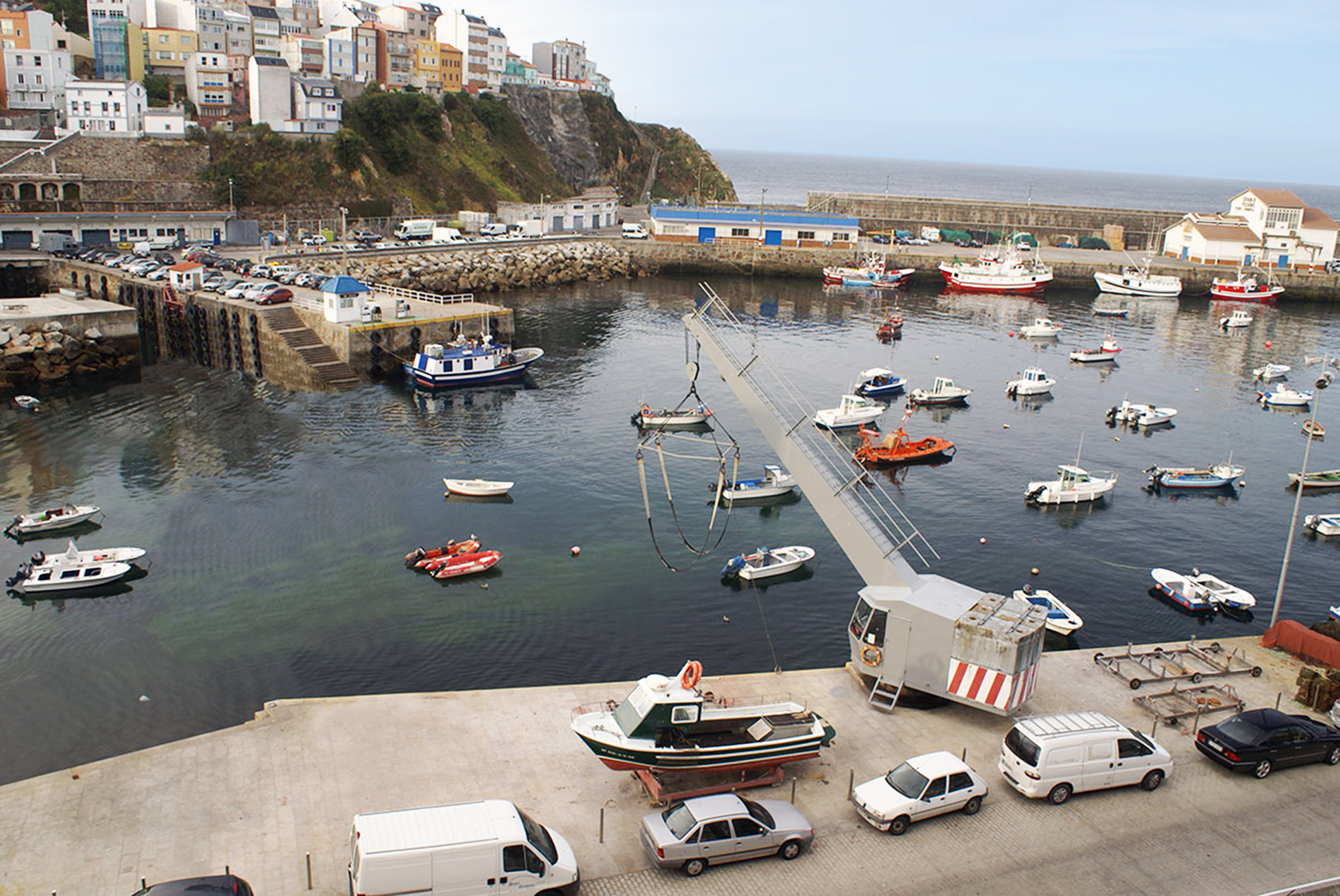Malpica port now has a safe and reliable piping system thanks to KPS