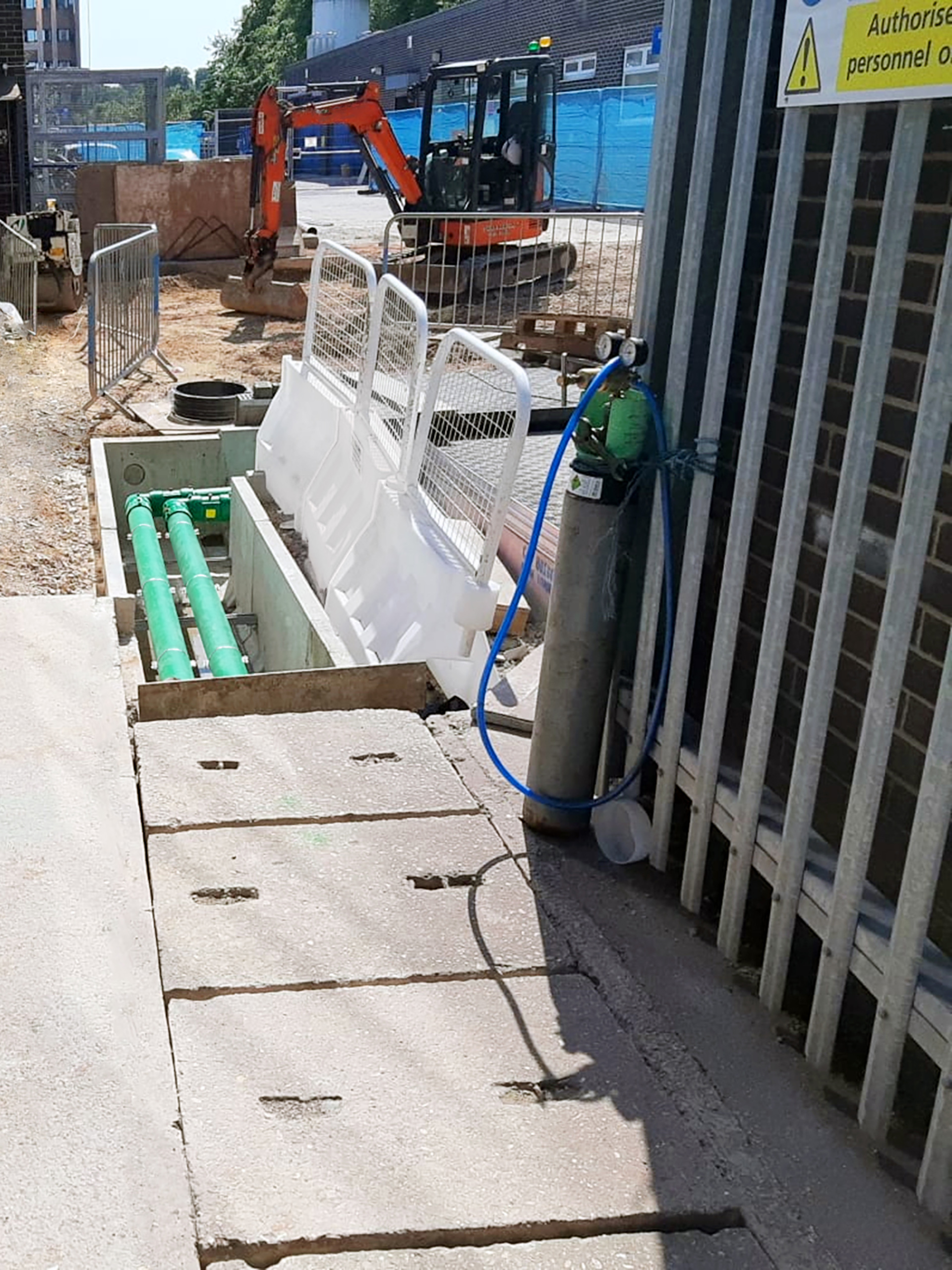 As the filling points were installed inside a garage building, a leak free zero permeation system was essential
