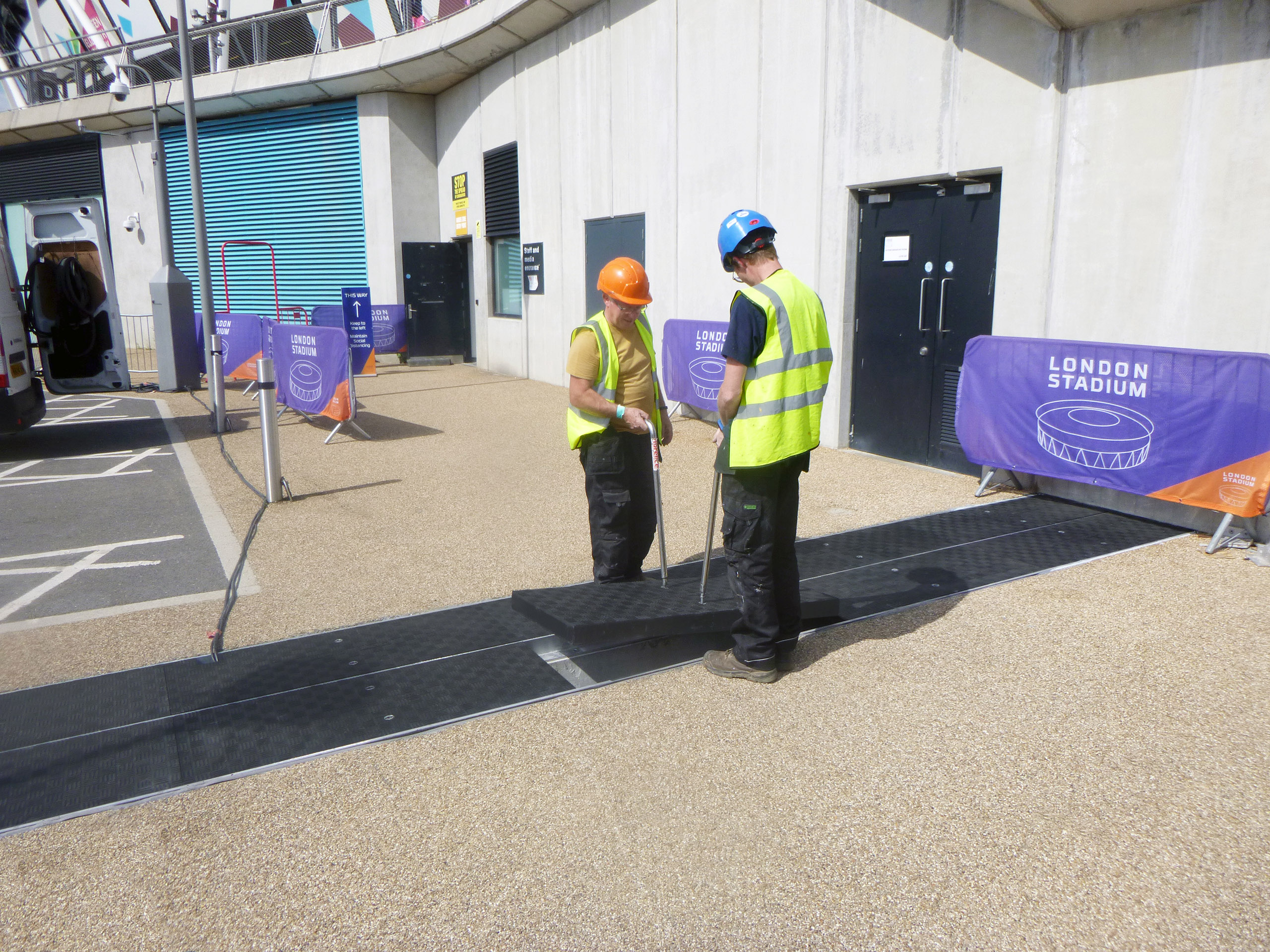 Fibrelite composite trench covers can be manually removed by two people using Fibrelite's FL7 lifting handles (as seen in the above image on another site)