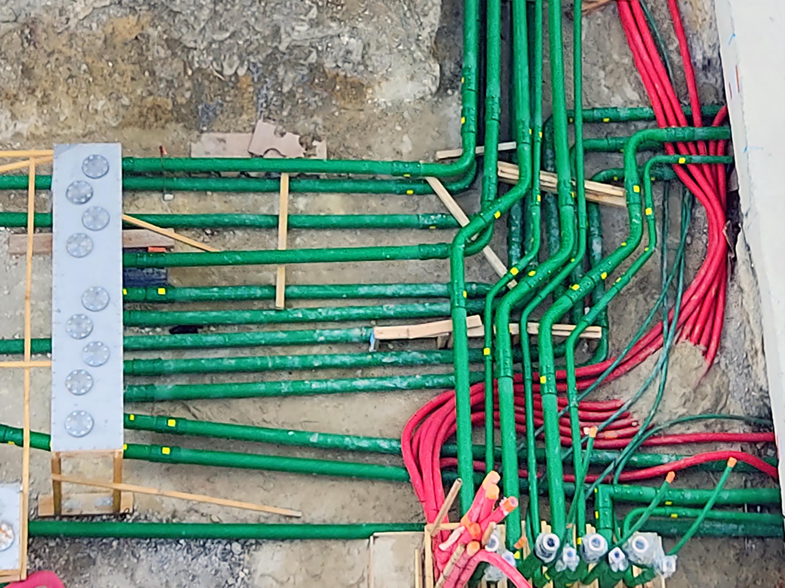 La tubería conductora KPS evita la acumulación de electricidad estática en el sistema.