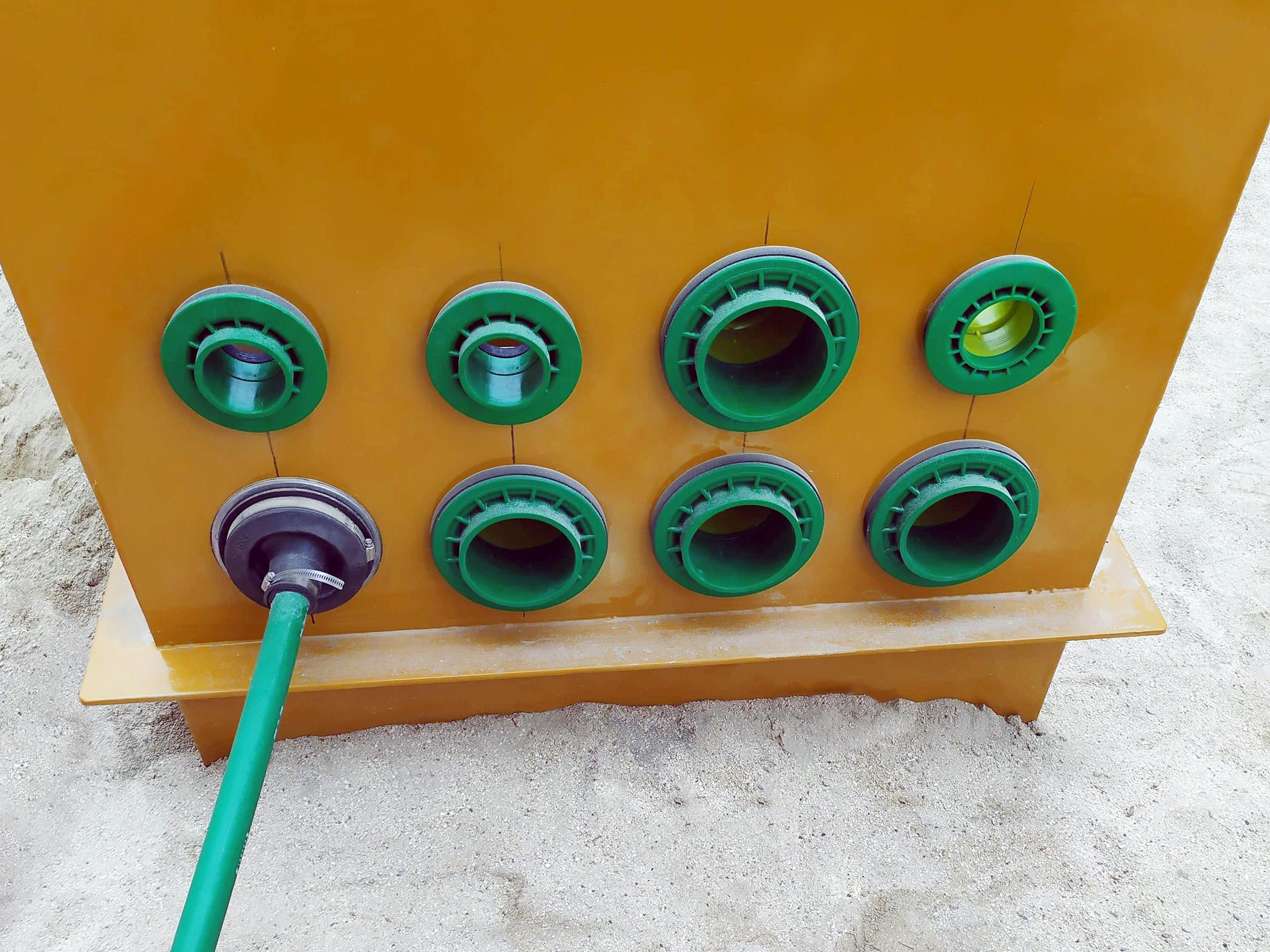Los pasamuros de entrada de tuberías KPS protegen contra la salida de combustible y la entrada de agua subterránea